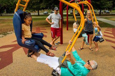 Sosyal sınıf farkı gözetmeyen tek alan çocuk parkı